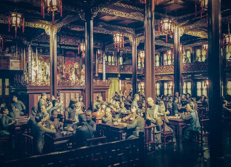 Модель интерьера чайной и опиумной курильни в Музее истории Шанхая. Источник: Katya Knyazeva