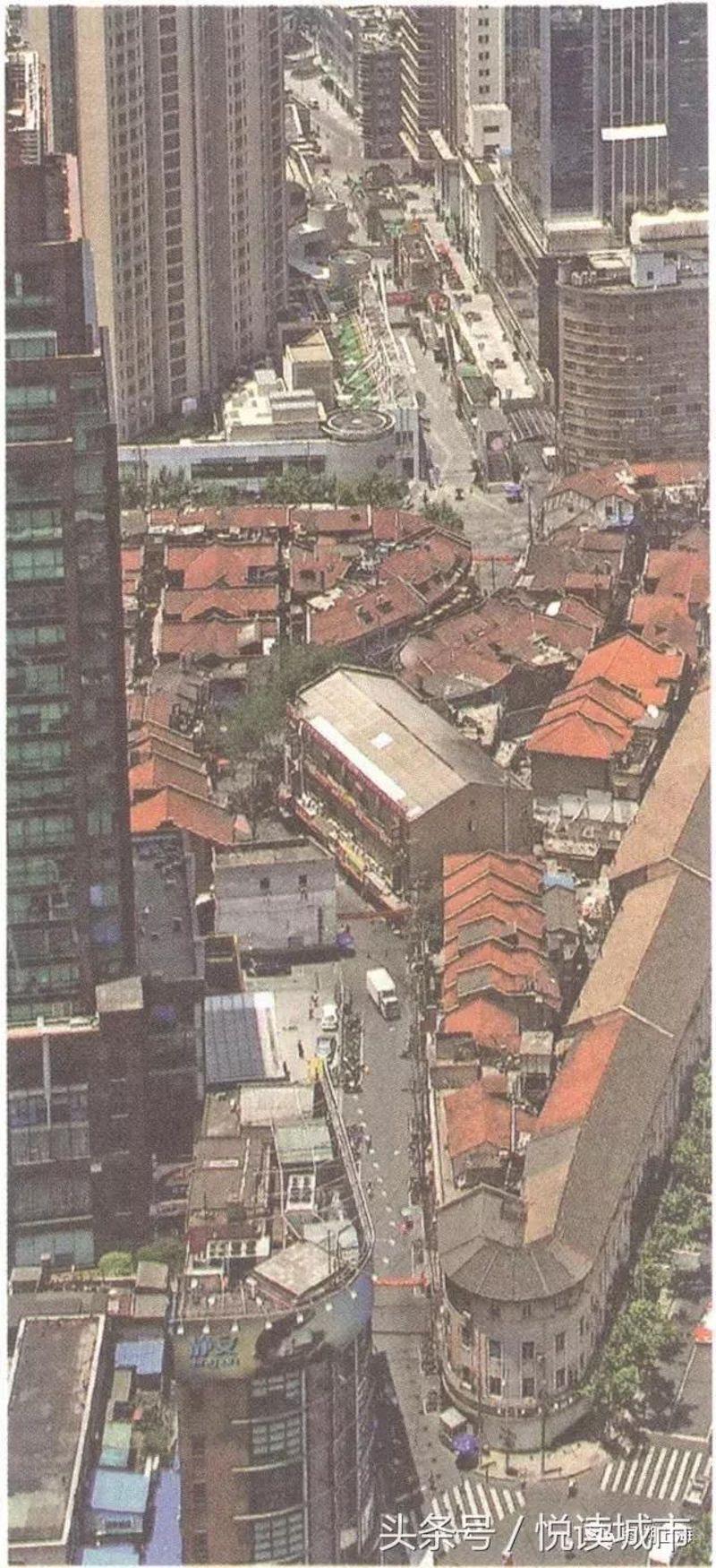 Вид на Уцзян Лу с высоты в 1990-е годы. Источник: