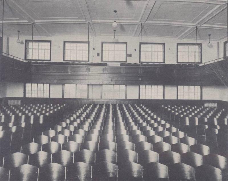 Актовый зал новой школы для девочек. Источник: The Chinese Architect 中国建筑 (1933)