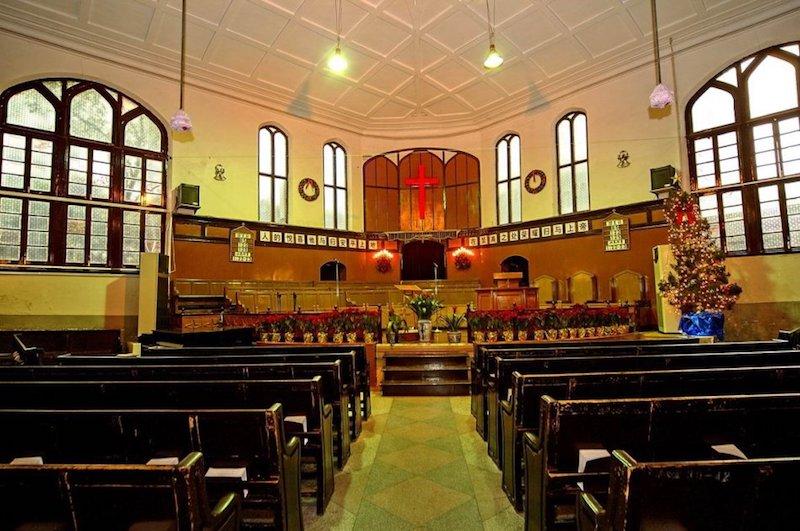 Интерьер церкви в наши дни. Источник: sina.com user 陈蓉生牧师著作