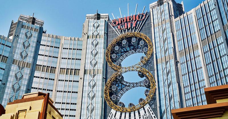 Колесо обозрения в стиле стимпанка. Источник: Studio City, Macau