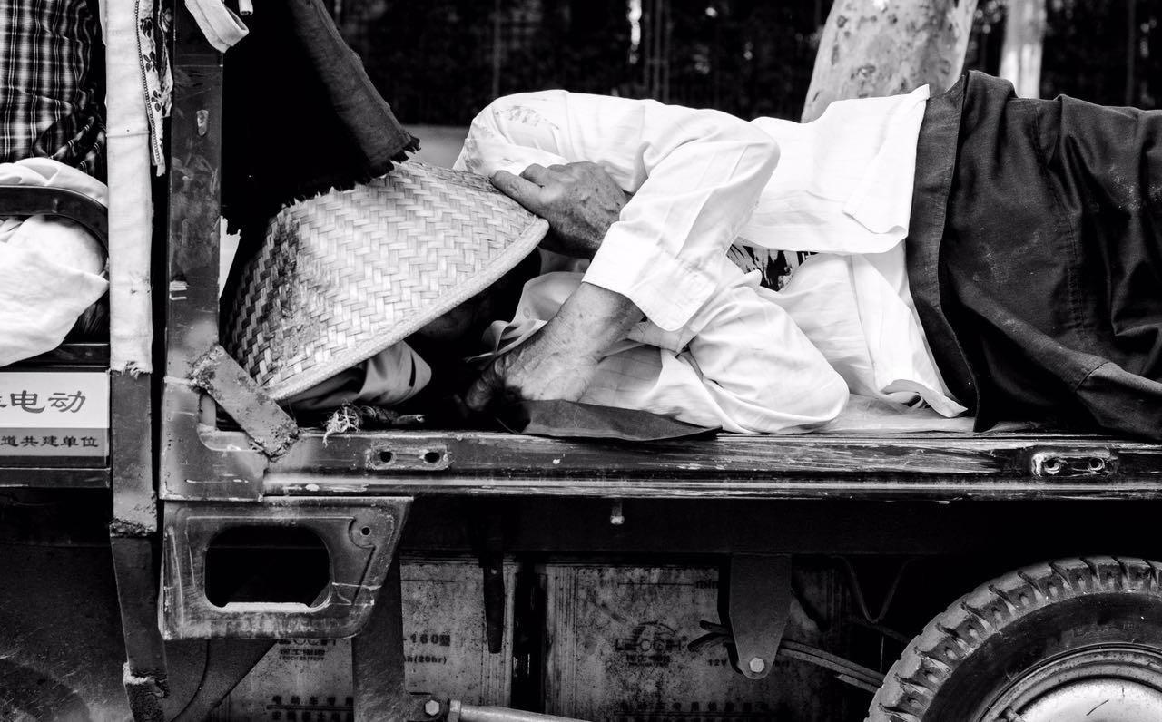 Почему китайские рабочие-мигранты остаются без пенсий