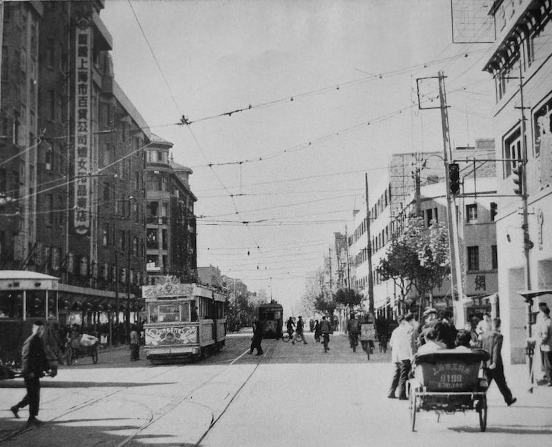 Авеню Жоффр в конце 1957 году, Берн слева. Источник: 360doc