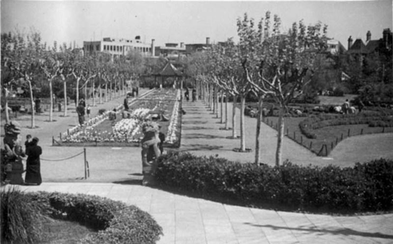 Парк вскоре после открытия в 1942 году. Источник: Virtual Shanghai