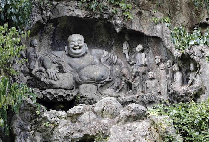 Монаха Будая только по незнанию можно перепутать с Буддой. Источник: Peoples Daily Online