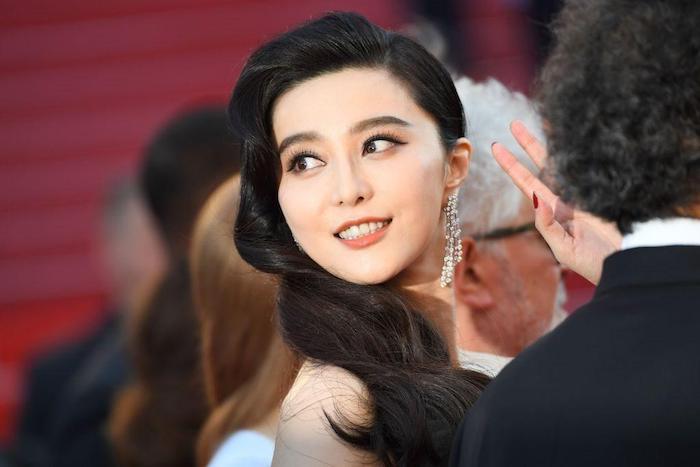 Фань Бинбин, одна из самых популярных актрис в Китае, оказалась должна налоговому управлению КНР. Источник: The Cheat Sheet