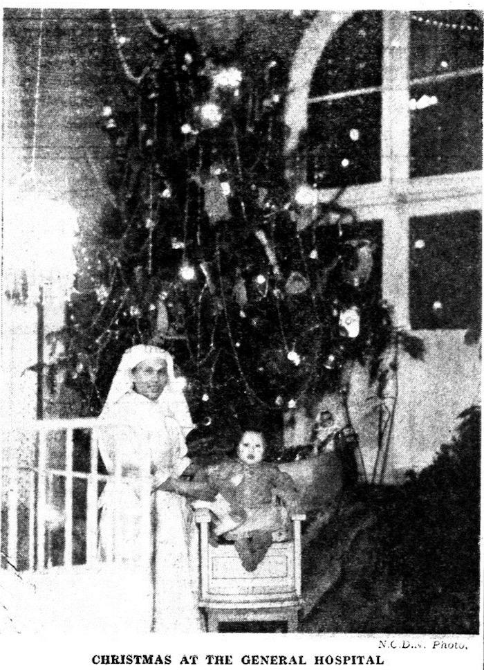 Интерьер больницы во время рождества. Источник: North-China Daily News, 27 декабря 1936 года
