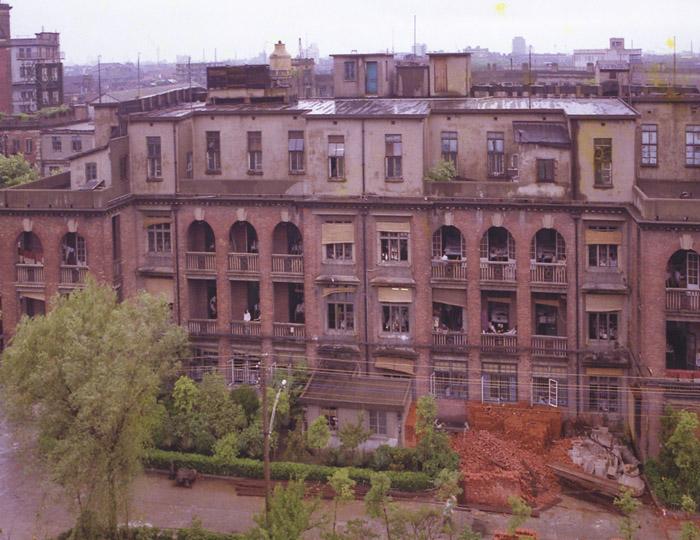 Обветшавший корпус больницы в 1990 году. Источник: firsthospital.cn
