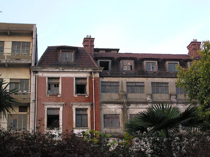 Сестринский корпус в 2009 году; уже снесен. Источник: Катя Князева