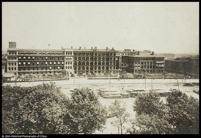 """Территория """"Дженерал госпиталя"""" в 1920-х годах. Источник: Historic Photographs of China, Bristol University"""