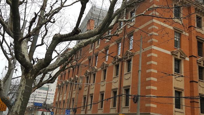 Угол сохранившегося здания. Источник: Antigng for Wikipedia