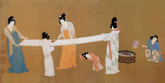 """Фрагмент картины Чжан Сюаня """"Приготовление шелка"""" (8 век), известной благодаря копии императора Хуэйцзуна (12 век). Источник: wikipedia.org"""