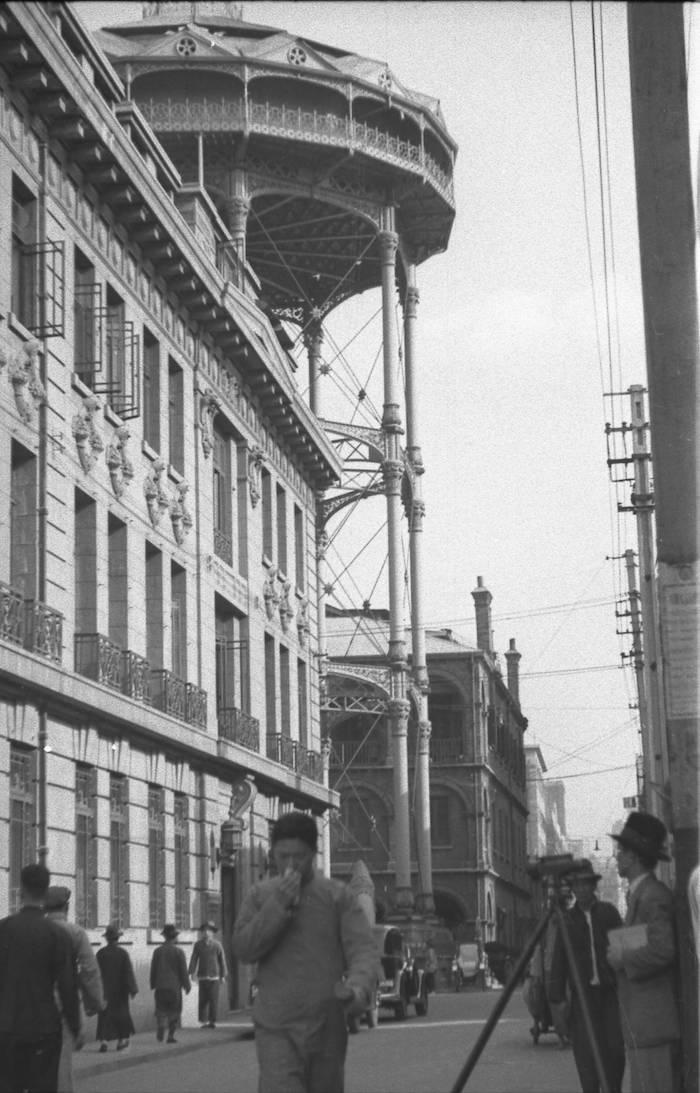 Улица Цзянси Лу в 1937 году. Источник: Harrison Forman
