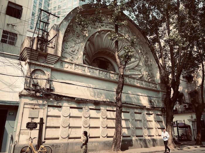 Храм со стороны Чжапу Лу в наши дни. Источник: Facebook 走跳上海建築 Wandering thru Shanghai Architecture