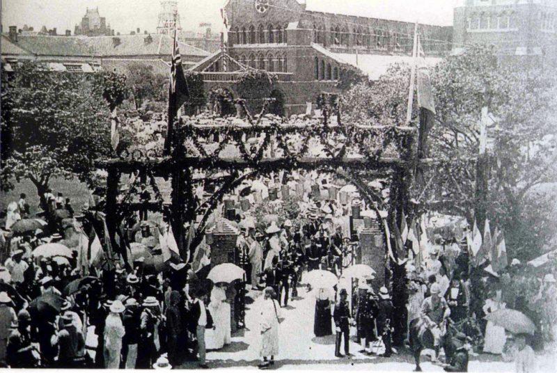 Празднование пятидесятилетия открытия шанхайского порта для международной торговли (в 1893 году). Источник: Virtual Shanghai