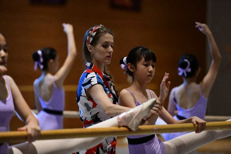 ballet teacher in China