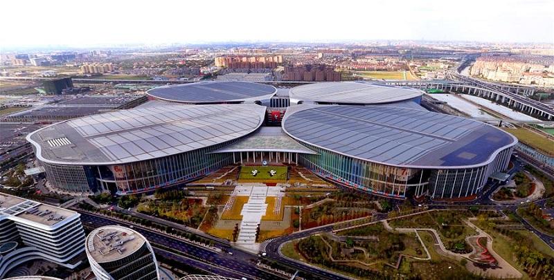 Шанхае, где проходит Выставка импорта.