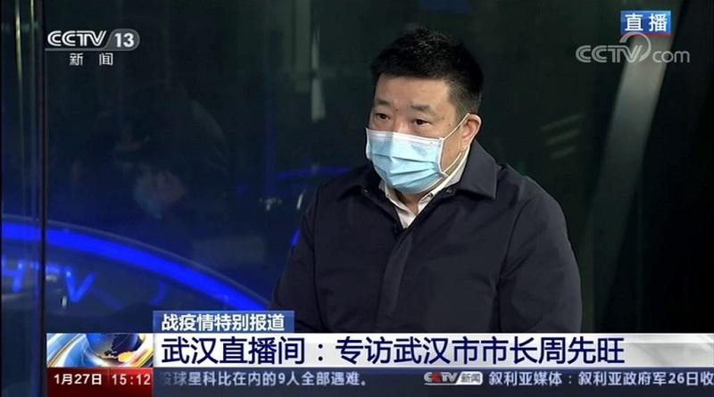 Кроме признаний собственных ошибок, мэр Уханя уточнил, что как официальное лицо, он не мог обнародовать информацию, не получив на это разрешения. Многие посчитали эту фразу попыткой перенести ответственность на Пекин. Источник: Shanghaiist